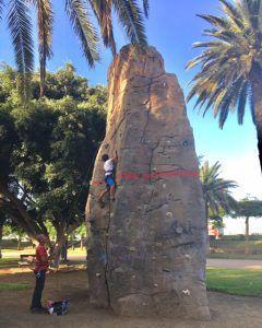 Kiipeilyä voi kokeilla Parque Romano -puistossa Las Palmasissa.