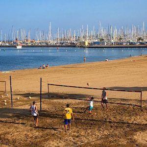 Playa de Alcaravaneras, lentopalloilijoita