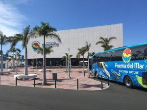 Poema del Mari sijaitsee El Muelle -ostoskeskuksen lähellä.
