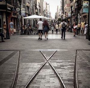 Ostoskatu Triana Las Palmasissa on tunnelmallinen kävelykatu